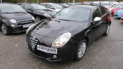 Alfa Romeo Giulietta Distinctive 1,6 JTDM-2 bei Autohaus Leibetseder GmbH in Ihre Fahrzeugfamilie