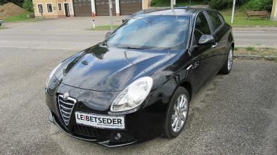 Alfa Romeo Giulietta 1,4 TB Distinctive bei Autohaus Leibetseder GmbH in Ihre Fahrzeugfamilie