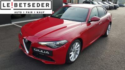 Alfa Romeo Giulia Super 2,2 150 AT RWD bei Autohaus Leibetseder GmbH in Ihre Fahrzeugfamilie