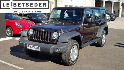 Jeep Wrangler Unlimited Sport 2,8 CRD Aut. bei Autohaus Leibetseder GmbH in Ihre Fahrzeugfamilie