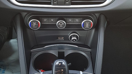 115435_1406433606607_slide bei HWS || Autohaus Leibetseder GmbH in